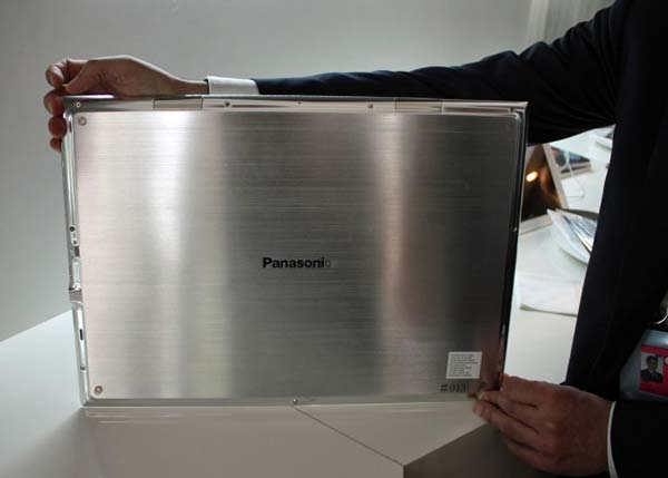 Panasonic 4K Tablet Prototyp mit 20 Zoll