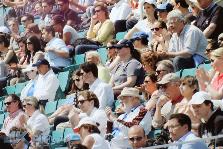 Zum Vergleich ein Ausschnitt der Zuschauermenge