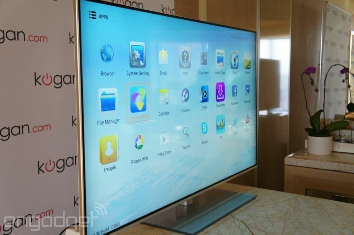 Kogan Ultra HD TV mit 55 Zoll von der Seite