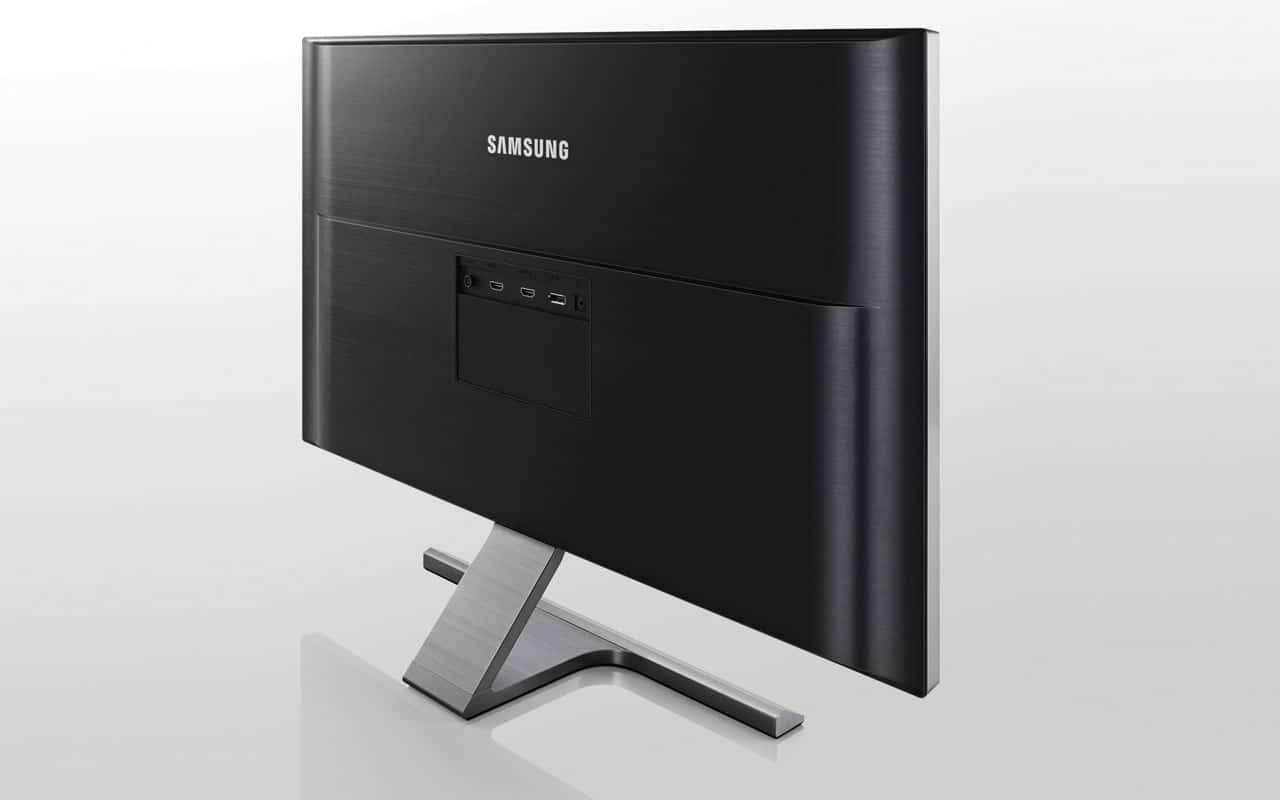 UD590 4K Monitor Anschlüsse