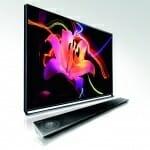 Panasonic AXW804 4K TV mit Soundbar