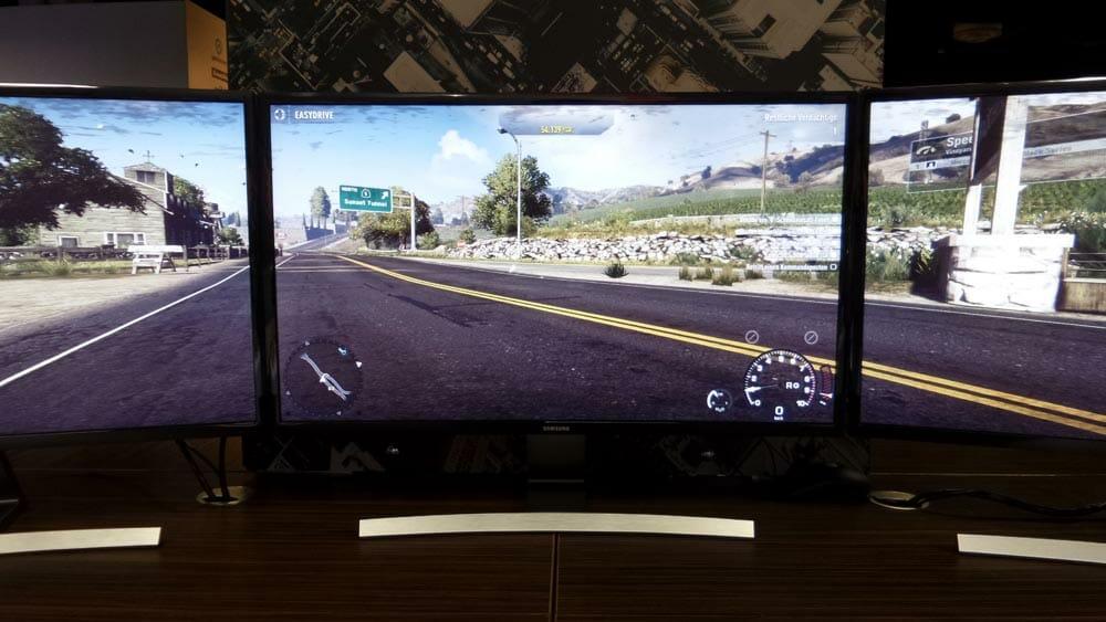 Samsung S27D590C curved 4K Monitor Mockup