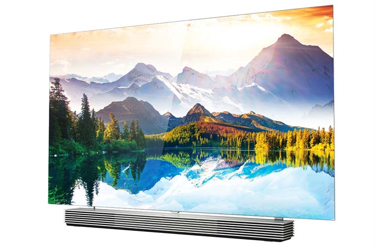 Der 55EF9800 4K OLED TV der Slim Art Serie mit flachem Display