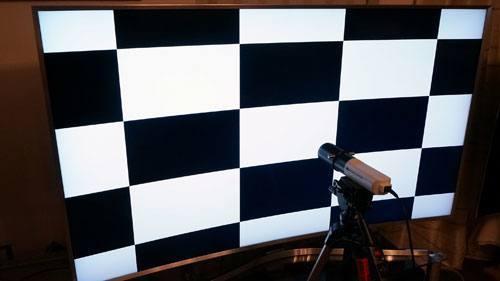 Schachbrett Testbild auf dem UE65JS9590