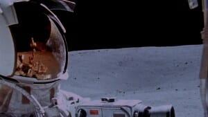 astronaut_helmet_driving_lunar_rover