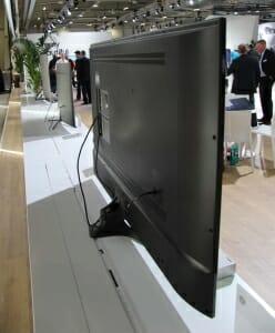 Die KU6079 Modelle werden mit einer Standard-Fernbedienung ausgeliefert