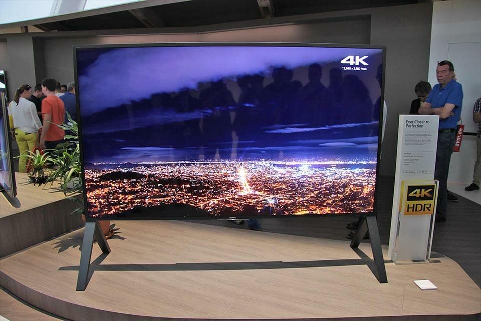 Der Premium-UHD-TV ZD9 (hier in 100 Zoll) soll bereits das HDR10+ Format unterstützen