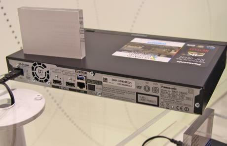 Der DMP-UB404 hat wie seine Vorgänger zwei HDMI Ausgänge (Einen HDMI 2.0 für Audio/Video, und eine HDMI 1.4 für die separate Audio-Ausgabe)