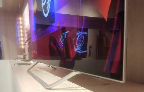 Standfuß und Design des 9002 OLED