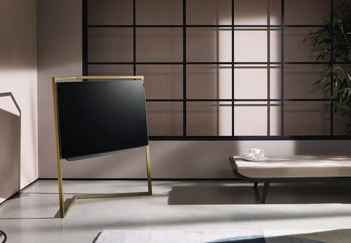 """Der LOEWE bild 9 mit dem Design-Standfuß in """"Amber Gold"""" macht schon etwas her, ist aber auch dementsprechend kostspielig"""