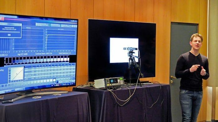 Marcel Gonska präsentiert das CalMAN AutoCal-Featur in Aktion (QLED TV 2017)