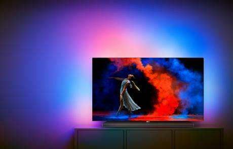 3-seitiges Ambilight ist natürlich Pflicht für den neuen OLED von Philips