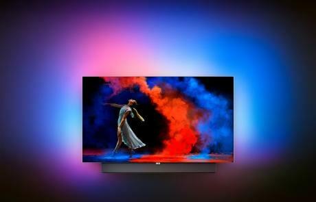 Der 65 Zoll OLED TV der 9er Serie hat einen 6.1 Soundbar im Standfuß integriert!
