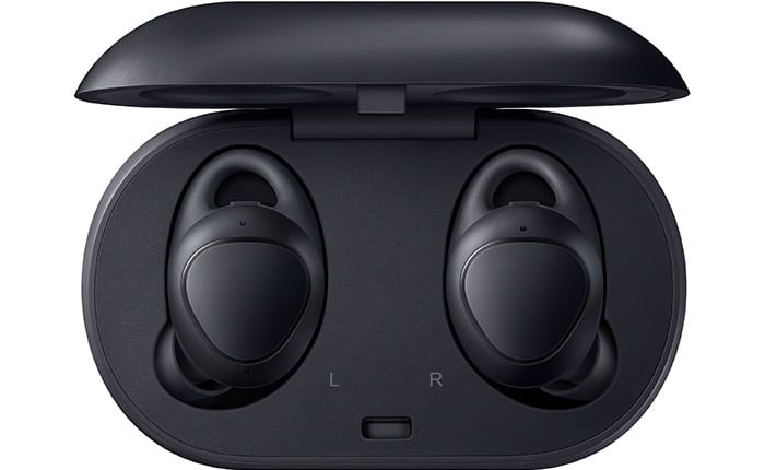 Die Gear IconX der 2. Generation werden mit einem Case mit integriertem Akku geliefert. Damit können die Kopfhörer bei Nichtbenutzung geladen werden.