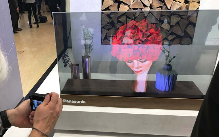 panasonic zeigt transparenten oled tv auf der ifa 2017 4k filme. Black Bedroom Furniture Sets. Home Design Ideas