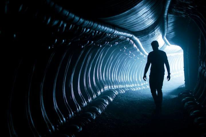 In dunklen Bildbereichen liefert die 4K Blu-ray von Alien: Covenant viel mehr Details dank HDR10