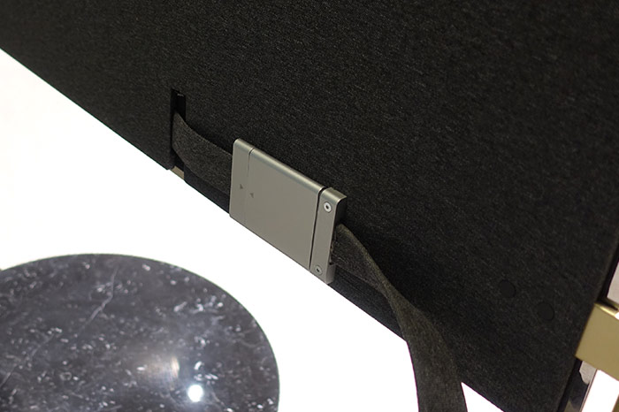 Auch das Anschlusskabel auf der Rückseite des Bild X Concept sieht hochwertig aus, fast schon marktreif!
