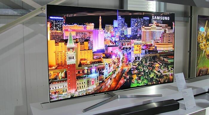 Die Premium UHD TVs der MU7009, MU8009 und MU9009 Serie hat Samsung Zuhause gelassen, wohl auch aus Platzgründen. (Abgebildet 65 Zoll MU9009 Samsung Roadshow 2017)