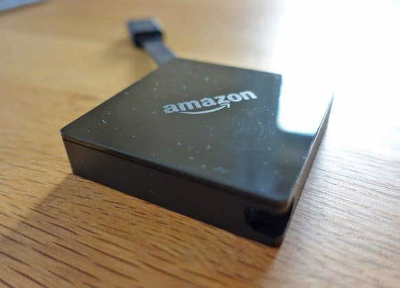 Neben dem HDMI-Kabel und dem Mini-USB-Port stehen keine weiteren Anschlüsse zur Verfügung. Bluetooth und Wifi sind integriert