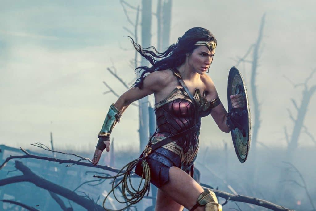 Gal Gadot spielt die Rolle der Wonder Woman perfekt!