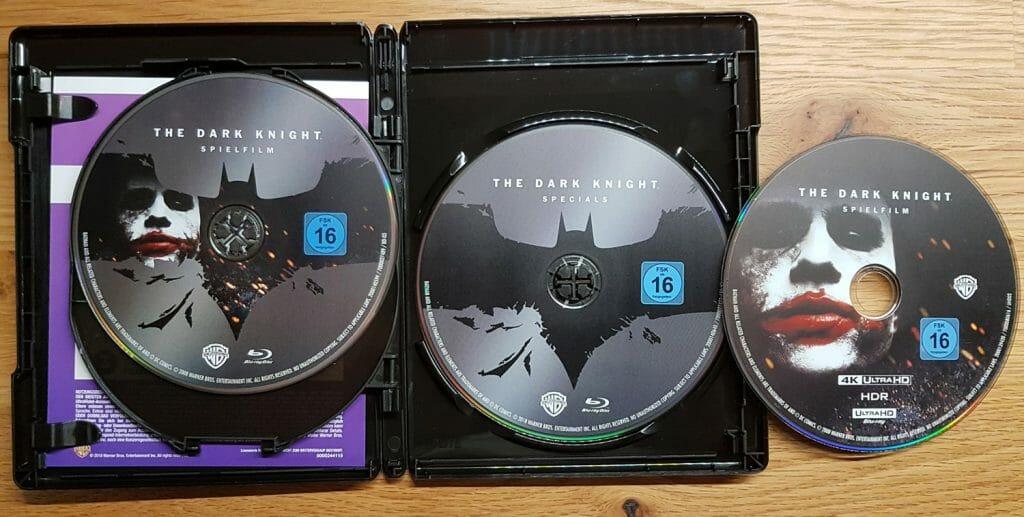 Jeder Film enthält die HD Blu-ray, 4K Blu-ray, Bonus Blu-ray sowie einen Code für die digitale HD-Version (Ultraviolet)