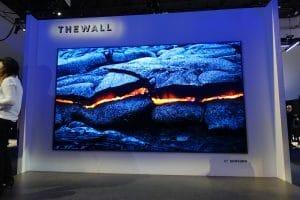 """Der Schwarzwert von """"The Wall"""" ist perfekt, da jeder Pixel seine eigenes Licht und Farbe emittiert und komplett ausgeschalten werden kann"""