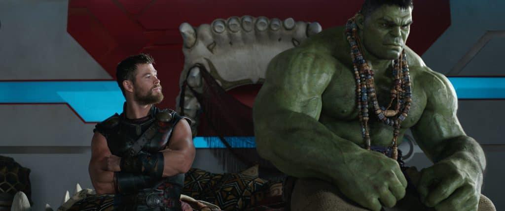 """Der """"Schlagaustausch"""" zwischen Thor (Chris Hemsworth) und Hulk erinnert unweigerlich an Peter Quill und Rocket (Guardians of the Galaxy)"""