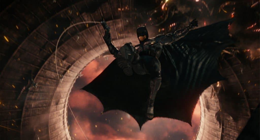 """Die Stimme von Batman (Ben Affleck) ist ein gutes Beispiel, wie gut der Dolby Atmos Sound """"abgemischt"""" ist. Kräftige, klare Stimme. Auch Alfred ist durchaus gut verständlich."""