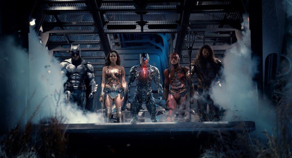 """Die Justice League bestehend aus Batman, Wonder Woman, Cyborg, Flash, Aquaman und Superman (nicht im Bild) sieht """"wild zusammengewürfelt"""" aus, harmoniert aber wunderbar zusammen"""