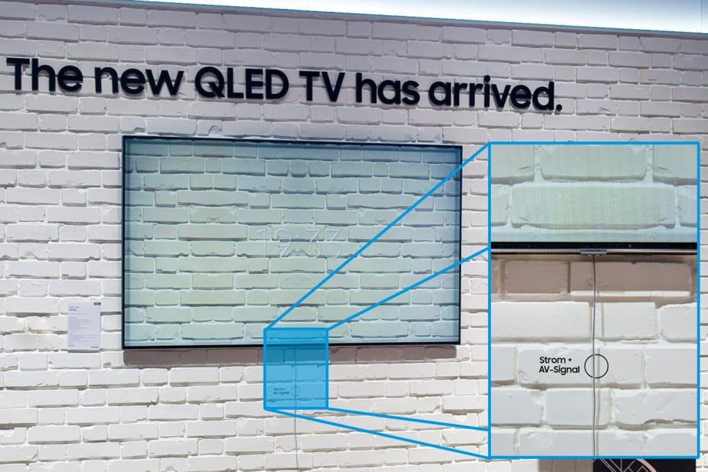 Eine Meisterleistung der Samsung Ingenieure - das neue One Invisible Connect Kabel überträgt AV-Signale und versorgt die QLED-TVs mit Strom!
