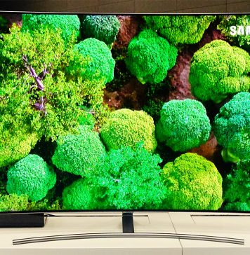 Die Q8CN (curved) und Q8FN (flach) QLED Fernseher mit neuer One Connect Box & HDR10+