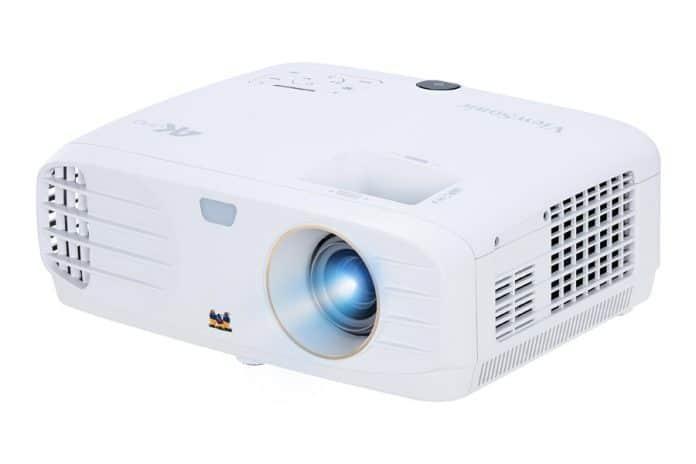Der PX747-4K Projektor überzeugt vor allem mit einem, seinem günstigen Preis von 1.199 EUR