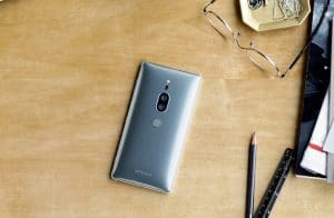 Das Sony Xperia XZ2 Premium macht sich auch auf dem Schreibtisch gut