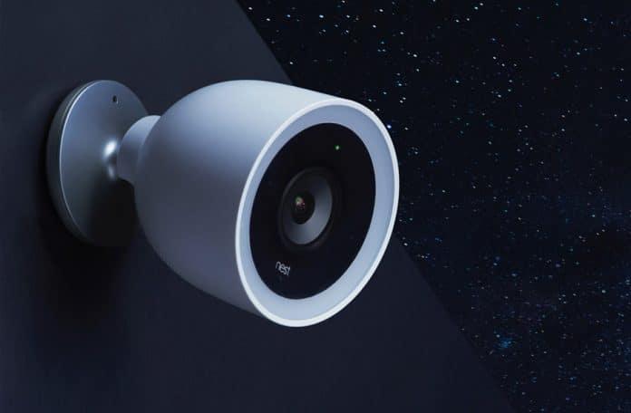 Die Nest Cam IQ Außenkamera kommt wird nun endlich mit Verzögerung an Endkunden ausgeliefert. Neuste Technologien wie 4K und HDR sollen die Überwachung noch effektiver machen