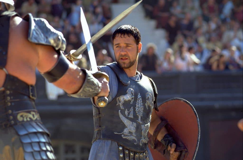 Maximus Decimus Meridius gespielt von Russell Crowe. Für diese Rolle erhielt Crowe einen Oskar als bester Hauptdarsteller