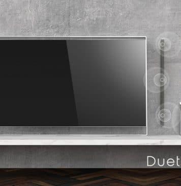 """Die Lautsprecher sowie der Subwoofer des Philips """"DUET"""" OLED TV lassen sich frei im Raum platzieren"""