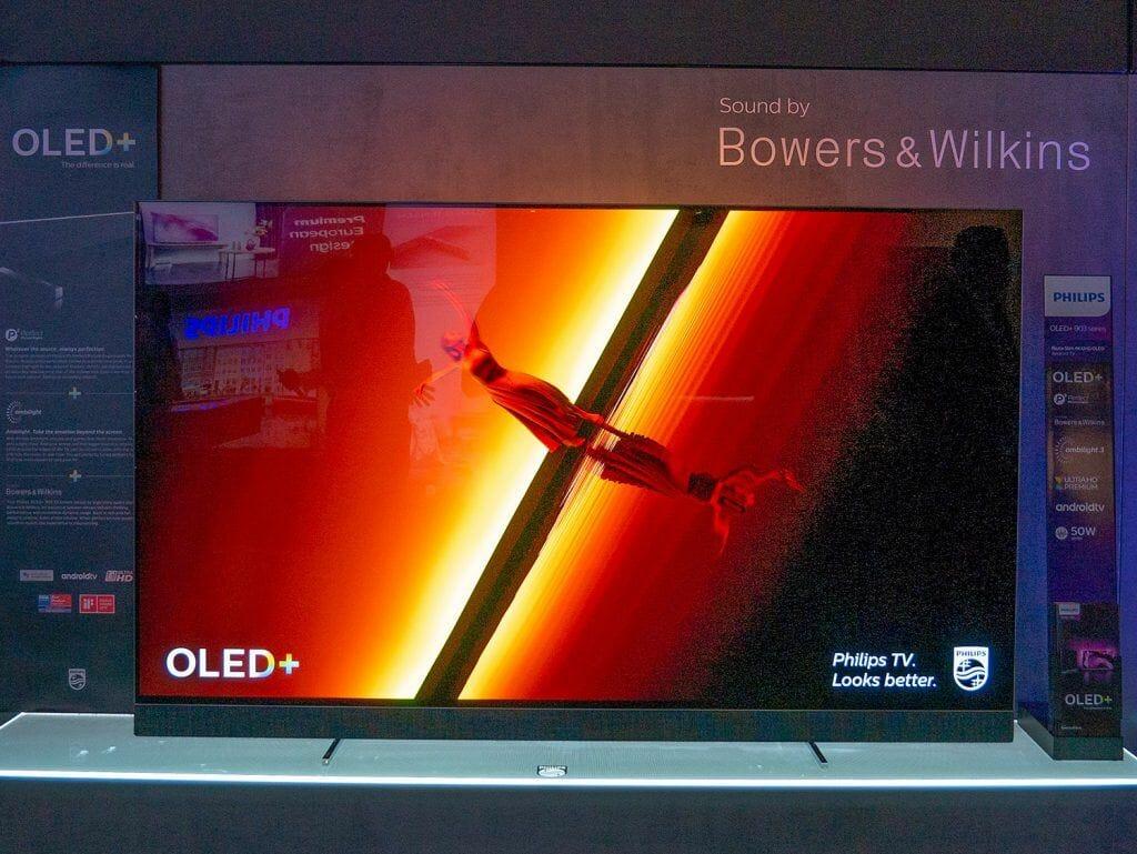 Sieht nicht nur gut aus, sondern hört sich auch gut an: Philips OLED903 mit Soundsystem von Bowers & Wilkins