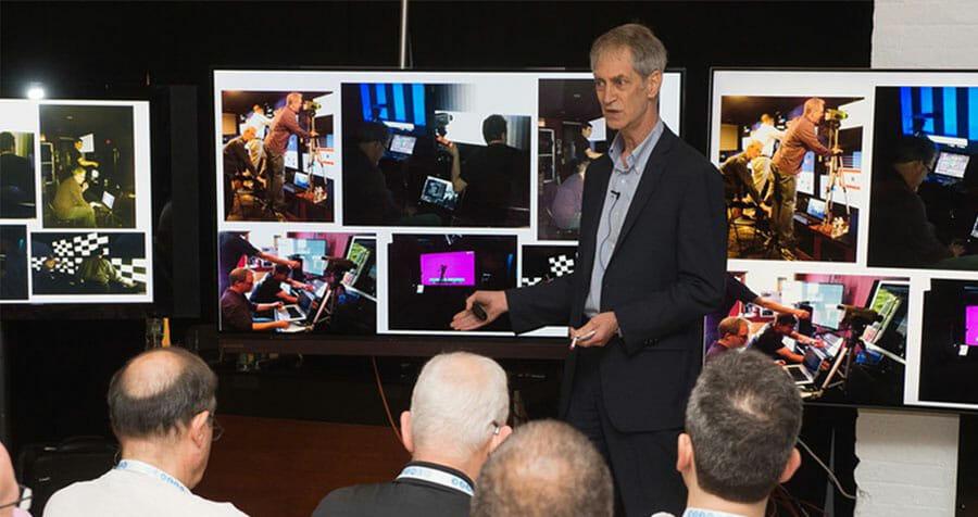 In einem TV-Shootout stehen sich die besten TV-Geräte gegenüber bzw. nebeneinander. Der Test wird meist von unabhängigen Veranstaltern abgehalten