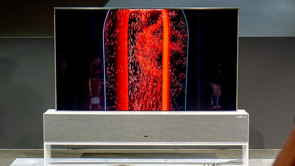 """Der aufrollbare OLED Fernseher von LG kann in drei Stufen abgesenkt werden. """"Full View"""", """"Horizont-Line-View"""" und """"Zero-View""""."""