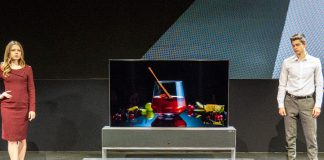 Der LG Signature OLED TV R ist der weltweit erste aufrollbare TV!