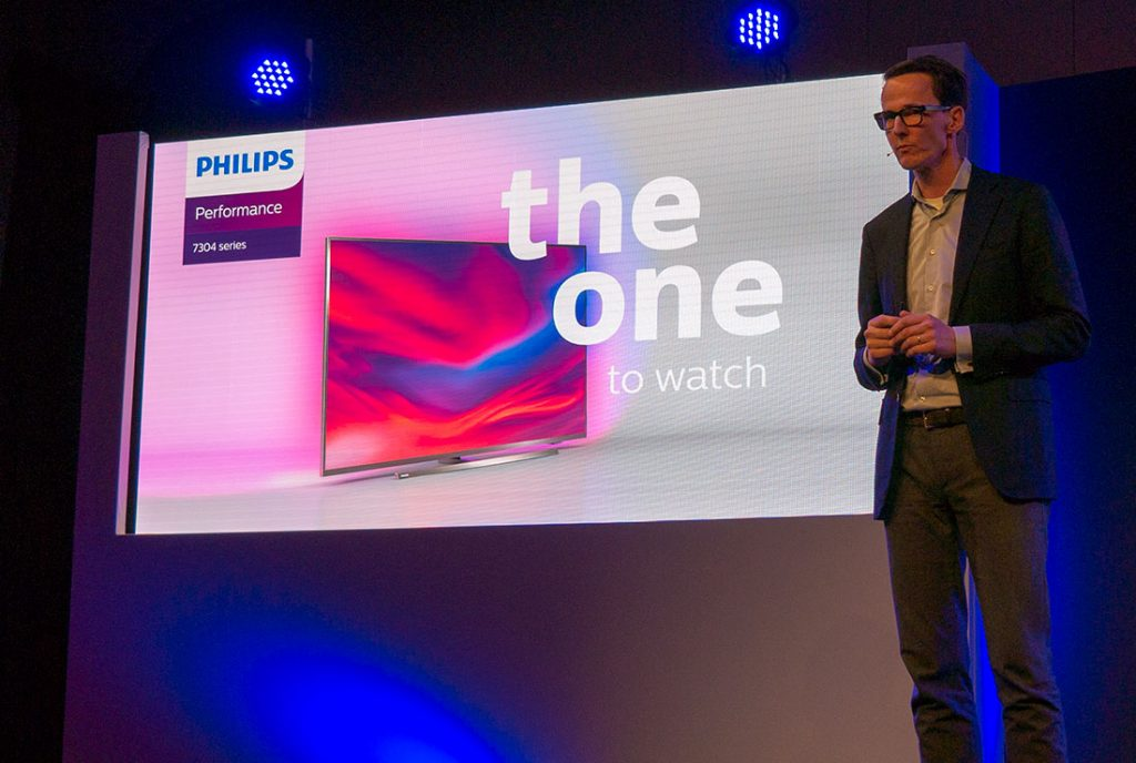 "Der Philips 7304 Performance 4K TV - ""The ONE To Watch"""