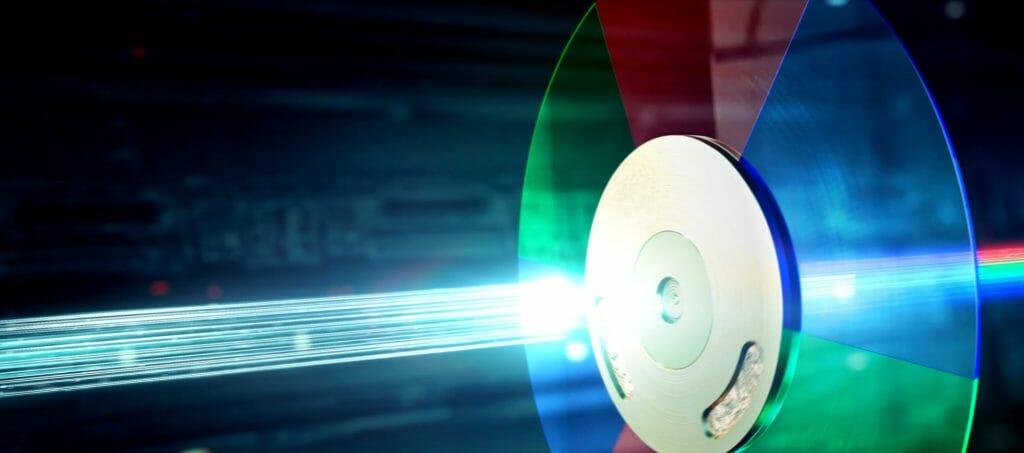 Der DLP-Projektor greift für die Farbdarstellung auf ein RGB-Farbrad zurück