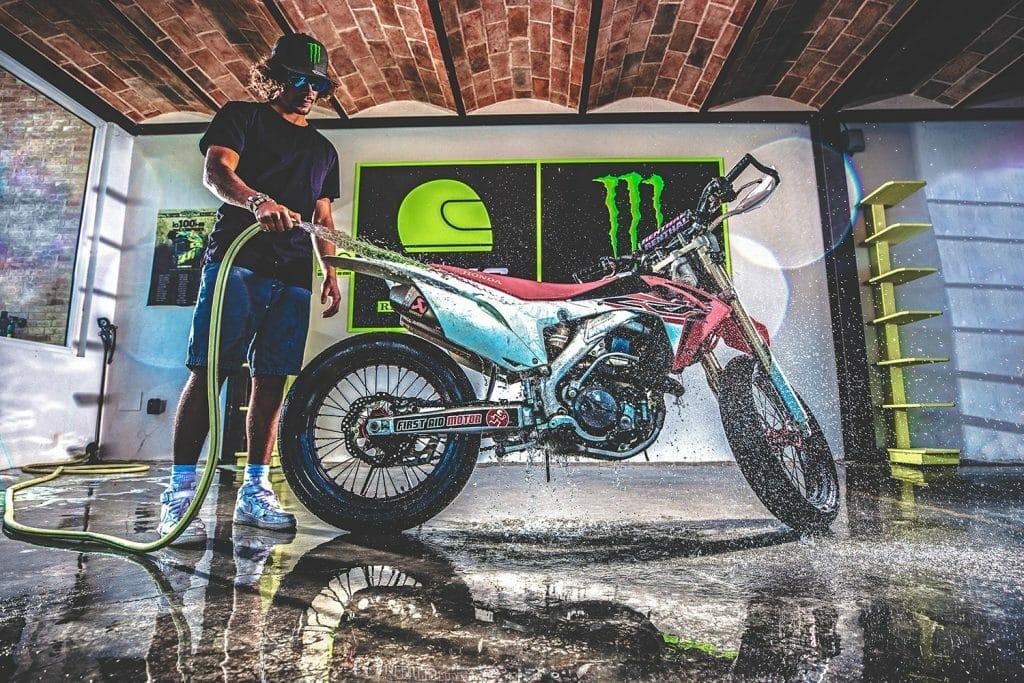 MotoGP Rookie Franco Morbidelli mit einem seiner Bikes