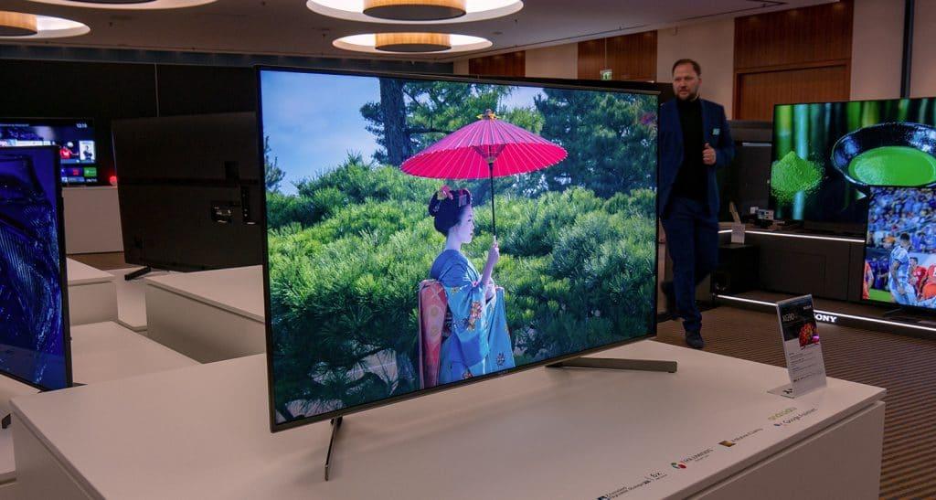 """Der XG90 4K TV ist mit 49 Zoll relativ klein, dafür aber ausgestattet wie ein """"Großer"""""""