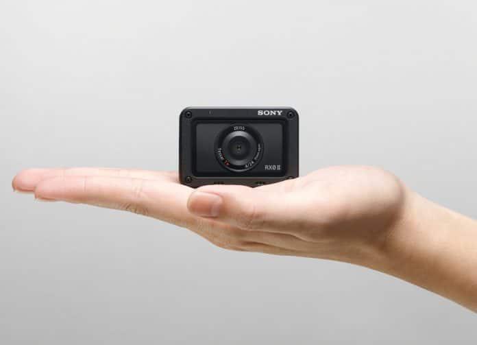 Die kompakte Sony RX0 II zeichnet jetzt auch 4K Videos in 30p auf und verfügt über eine elektronische Bildstabilisierung