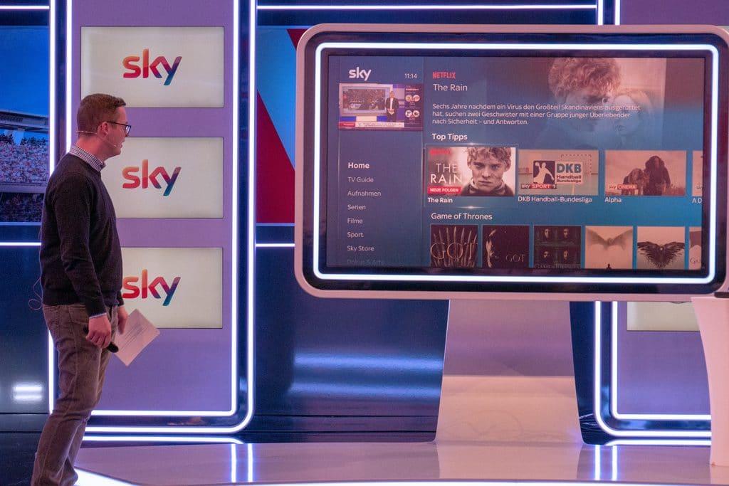 Nahtlose Integration des Netflix-Angebotes in Sky Q. Das Netflix Portfolio bekommt man in Kombination mit dem Entertain-Paket zu einem Vorzugspreis