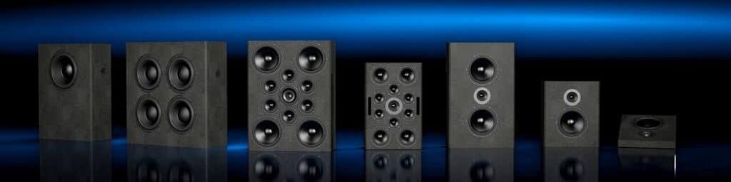 """Aus diesen """"Bausteinen"""" besteht eine Ultimate Audio Lösung: Tweeter, Mid-Range Speaker und Subwoofer. Unterschiedliche Varianten um alle Konzepte umsetzen zu können."""