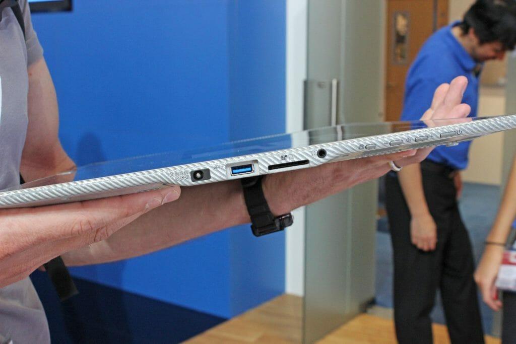 Anschlüsse 20 Zoll 4K Tablet Panasonic