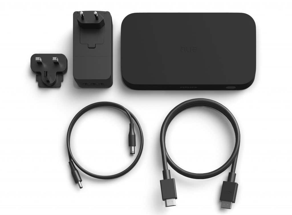 Lieferumfang mit Philips Hue Play HDMI Sync Box, Netzadapter (3 Ports), Netzkabel und einem HDMI-Kabel