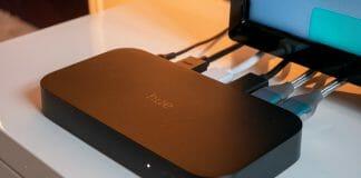 Die Philips Hue Play HDMI Sync Box im Einsatz